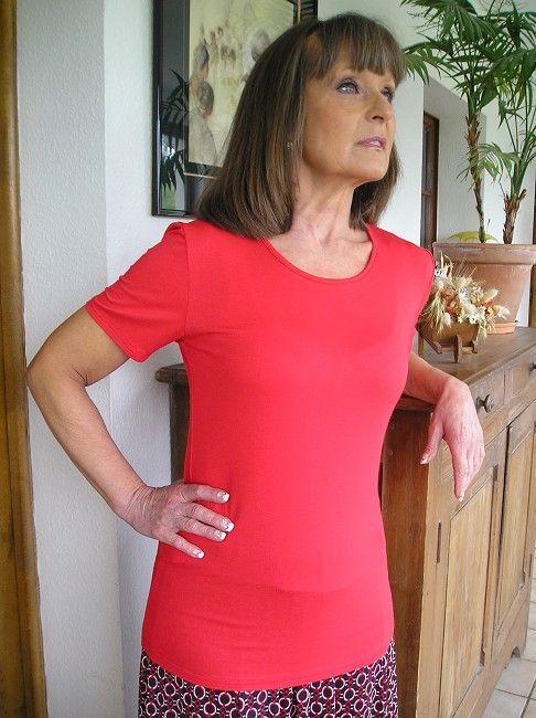 tee-shirt rouge manches courtes 3 ème âge