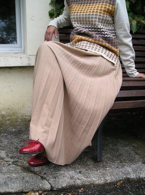 jupe plissée trés longue 100% polyester sénior