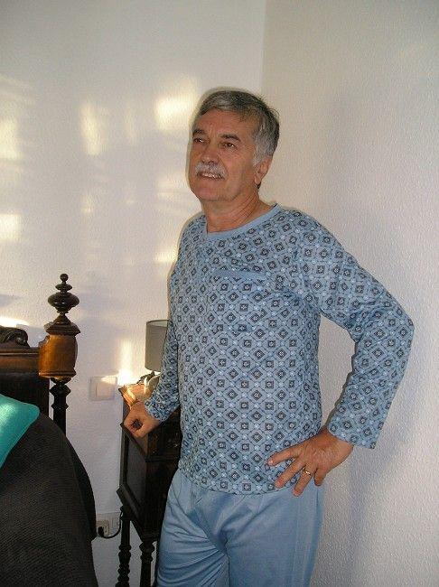pyjama veste-pantalon personne âgée
