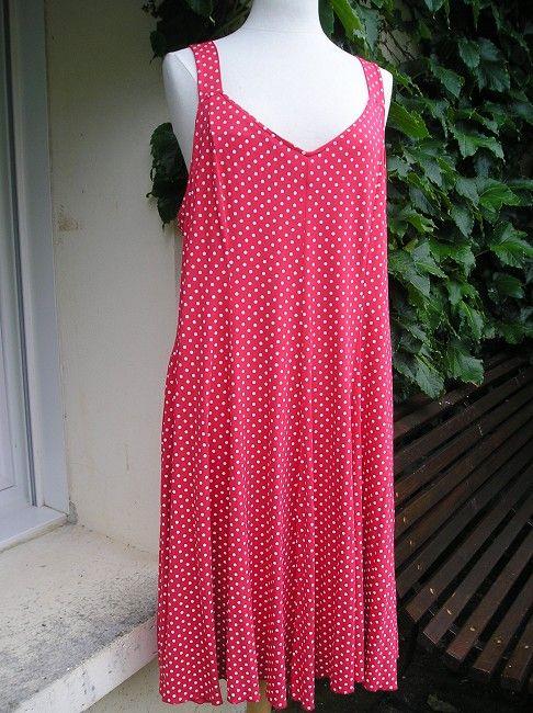 robe à pois personne âgée