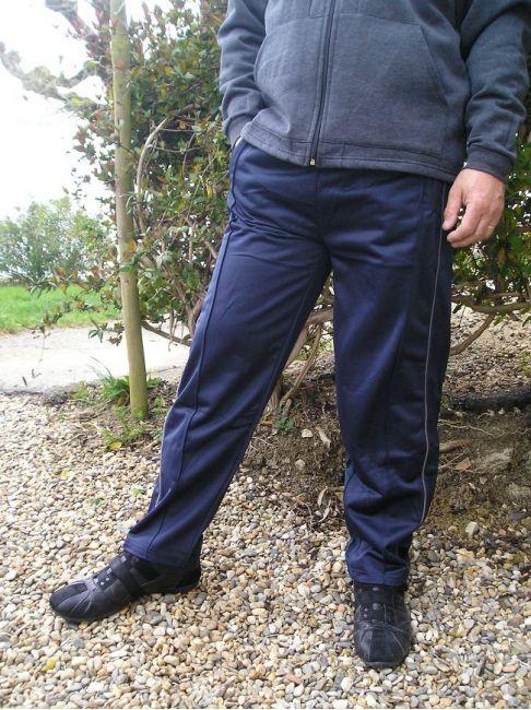 pantalon jogging personne âgé