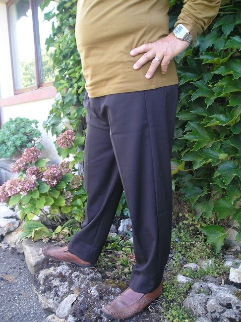pantalon noir 100% polyester personne âgée